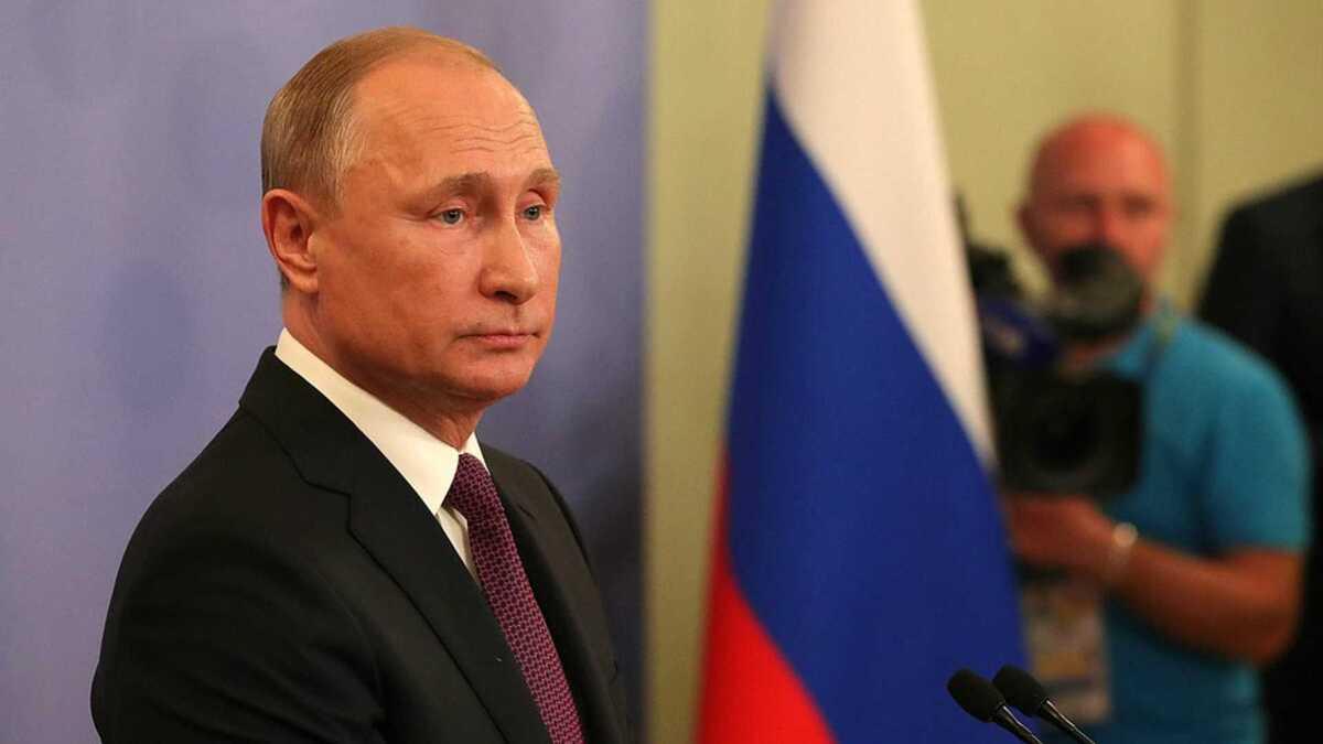 «Ждём в Москве в любое удобное время»: Путин пригласил Зеленского на переговоры об отношениях Киева и Москвы, говорить о Донбассе отправил в ОРДЛО