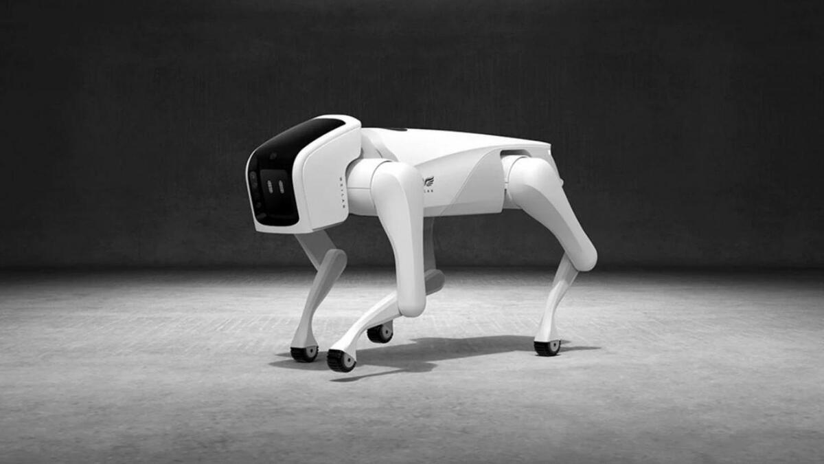 В Китае представили нового робота-собаку, который может бегать со скоростью до 15 км/ч