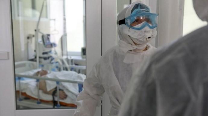 В Украине уровень госпитализации COVID-пациентов превышен в 4 областях