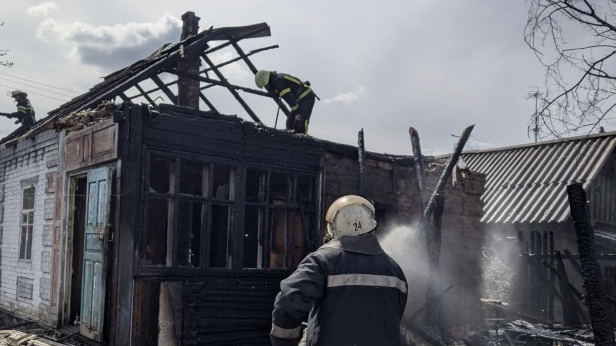 В Харьковской области из-за скутера сгорели два двора