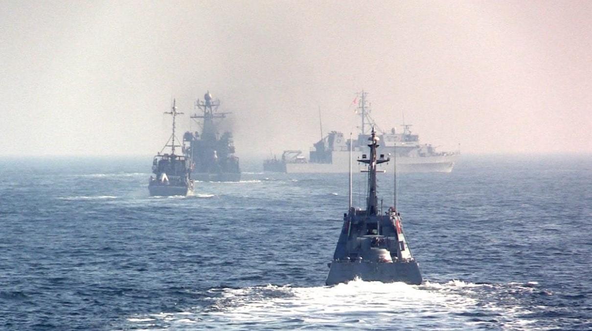 Кулеба заявил об угрозе в Азовском море из-за переброски кораблей РФ