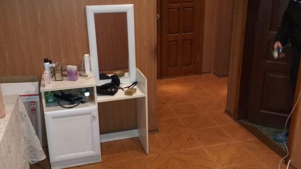 В Харькове в квартире зарезали парня и девушку: полиция задержала их друга