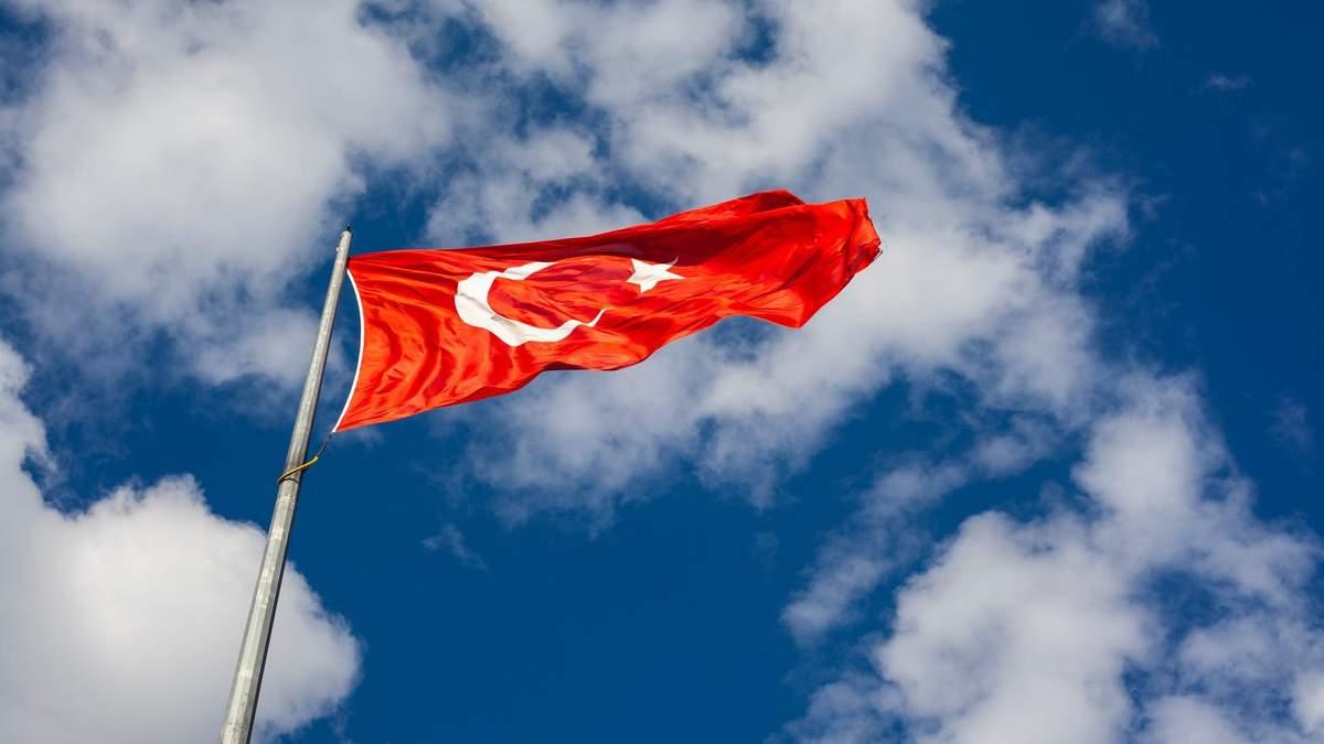 Турция ужесточает карантинные ограничения
