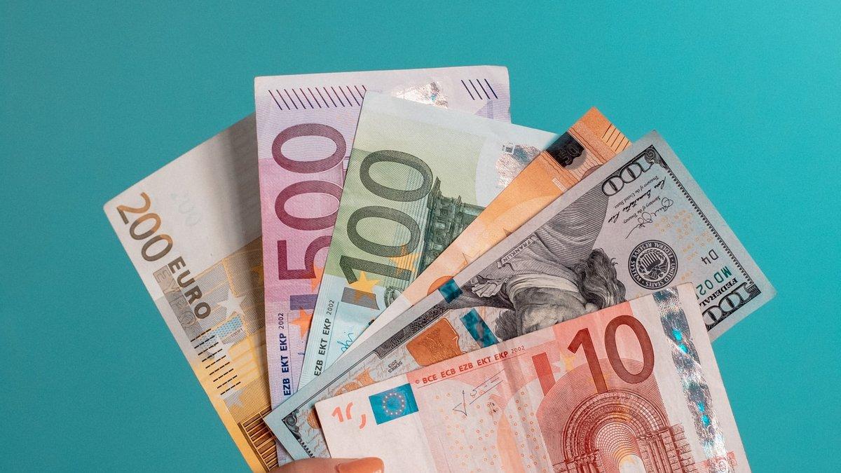 Курс валют на 7 мая: евро подорожал, а доллар упал в цене