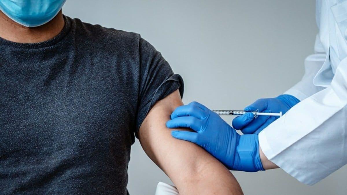 В Украине за сутки COVID-прививку получили почти 38 тысяч человек