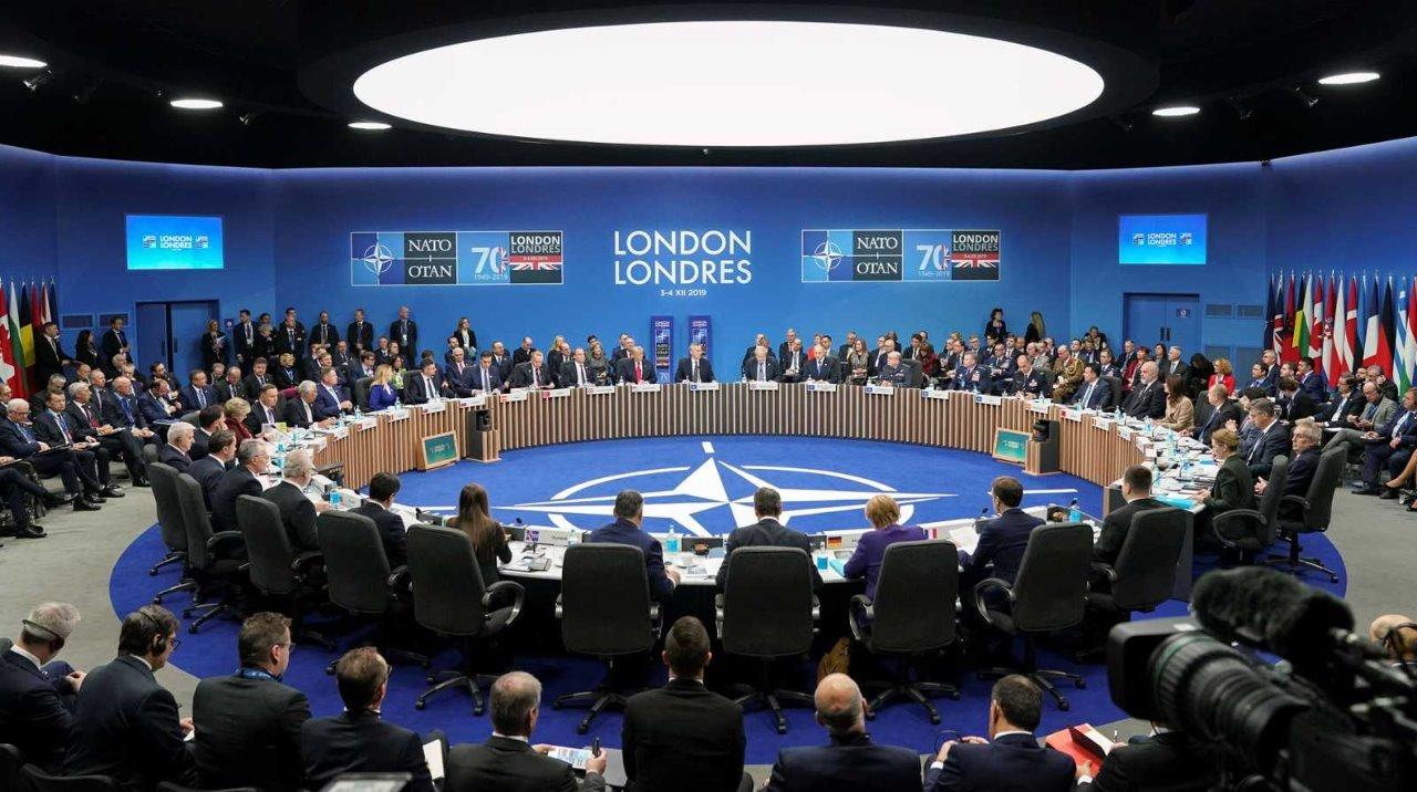 України не буде на саміті НАТО. Питання отримання Києвом ПДЧ без неї