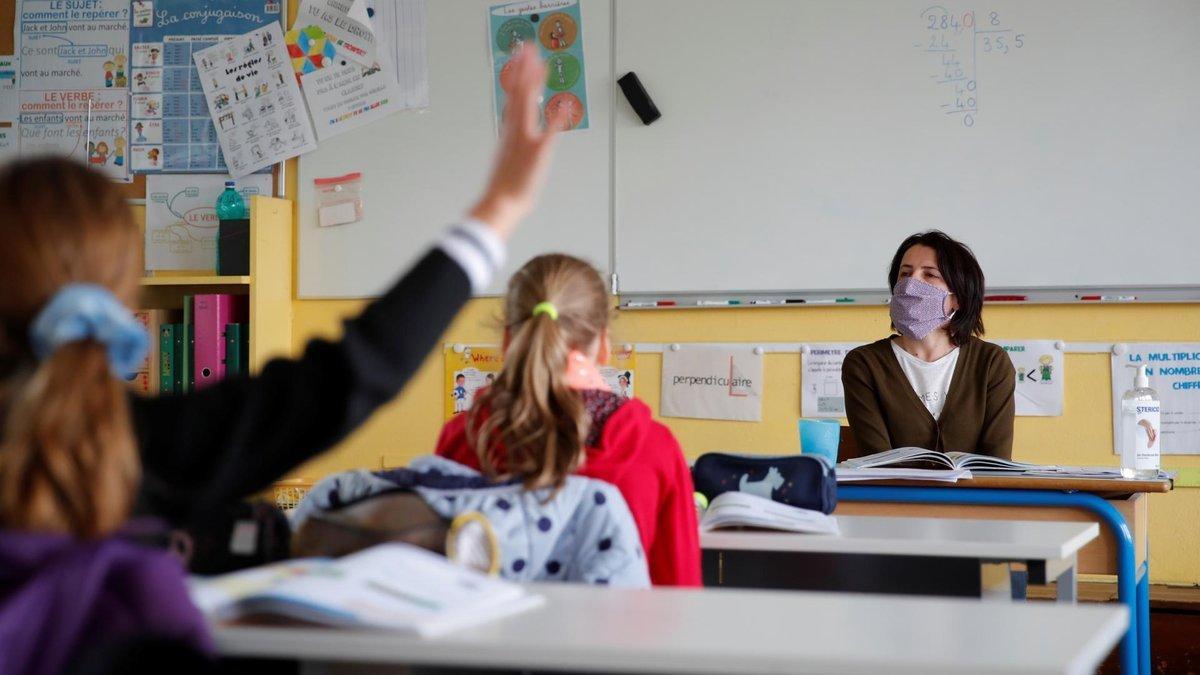 Унижала и критиковала учеников: во Львовской области суд оштрафовал директорку лицея