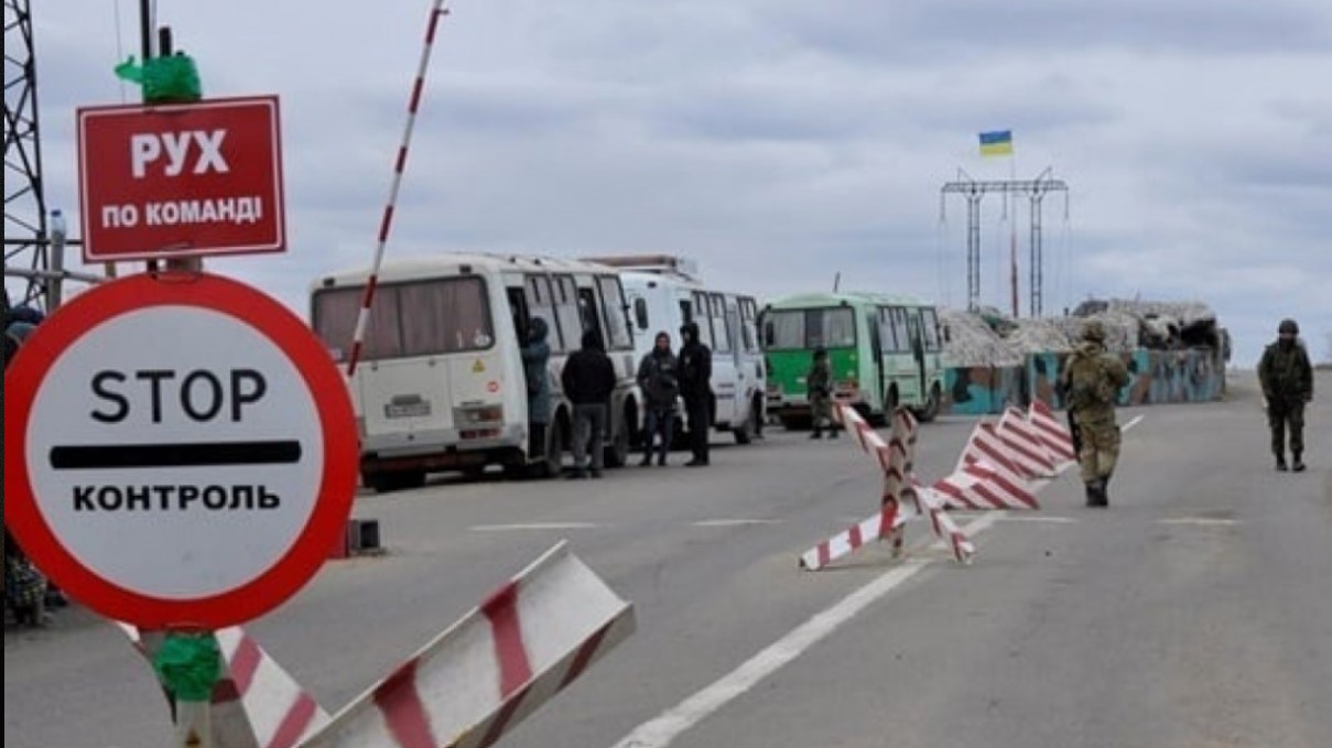 Боевики блокируют шесть из семи КПВВ на Донбассе — штаб ООС
