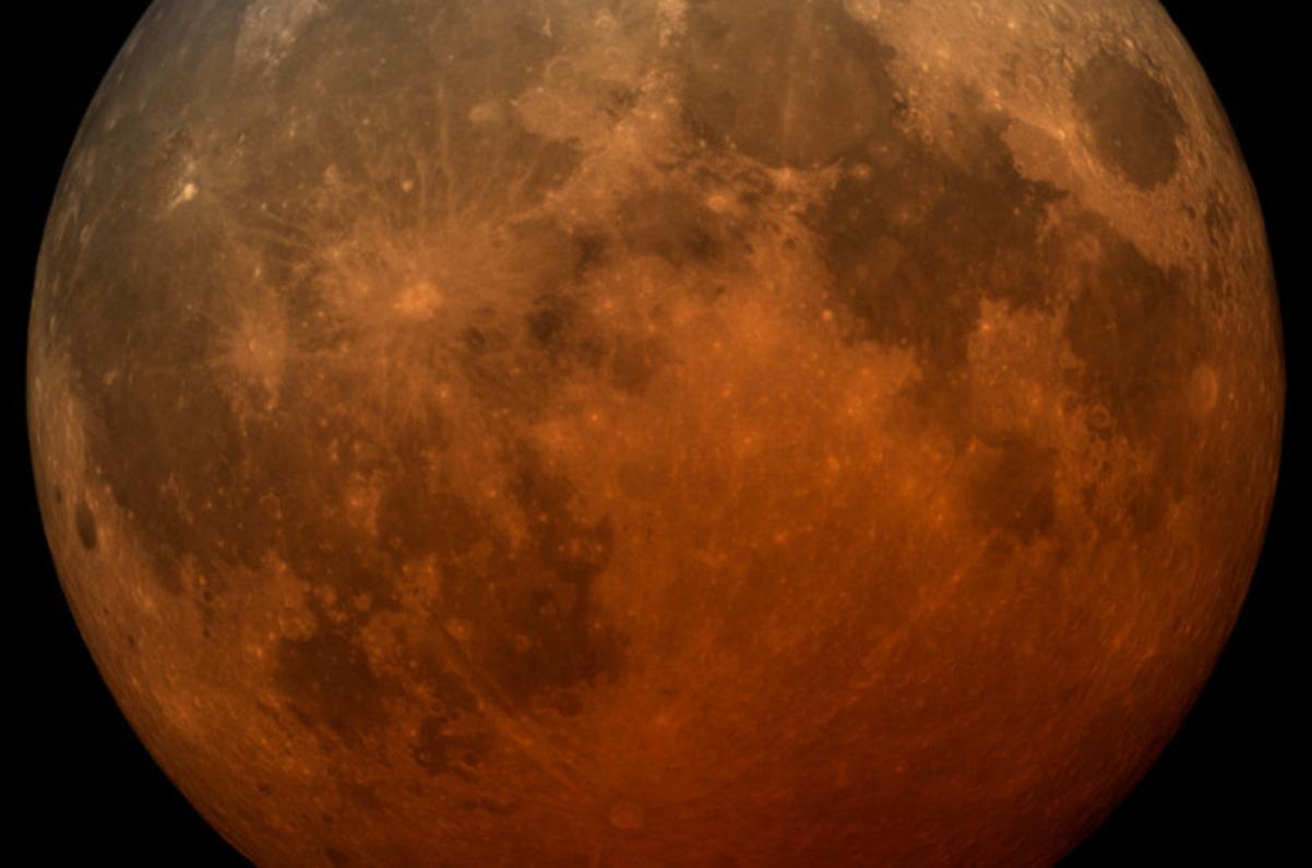 Завтра земляне смогут наблюдать кровавую луну: сразу два затмения 26 мая