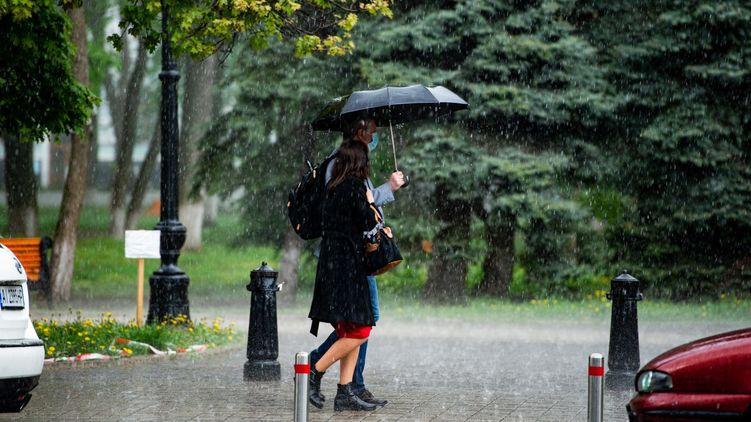 Май в Киеве был холоднее нормы, а осадков ожидалось меньше