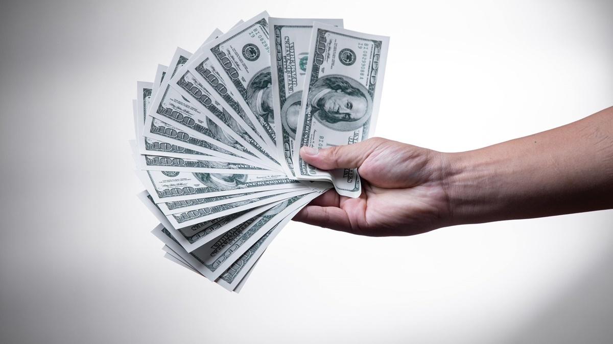 Курс валют на 10 июня в Украине: доллар и евро упали в цене