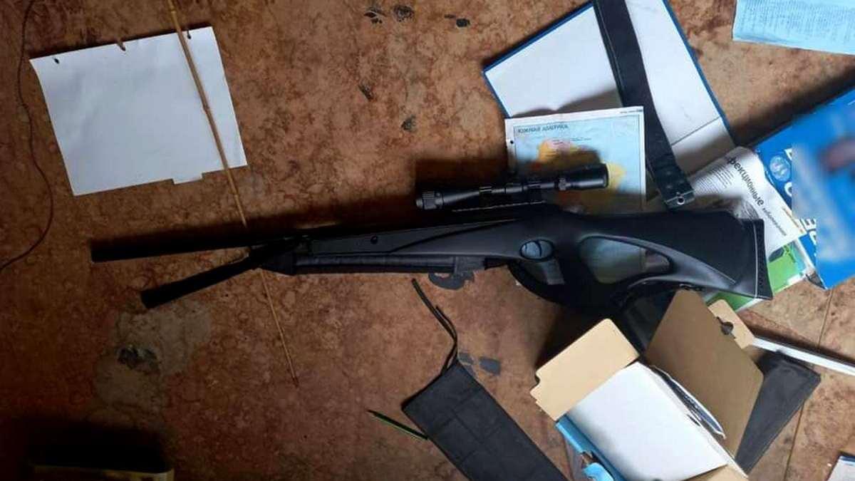 Хотела сделать фото для соцсетей. В Киевской области 15-летняя девочка случайно застрелила своего друга из ружья