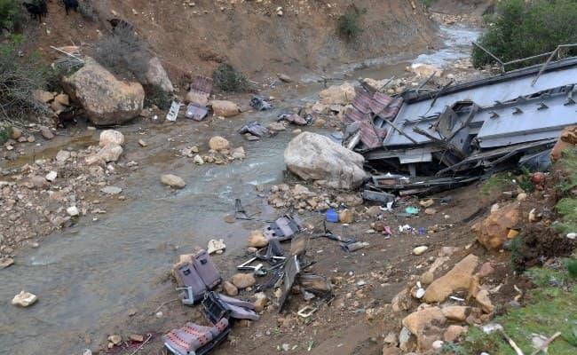 В Пакистане перевернулся пассажирский автобус: погибли 20 человек