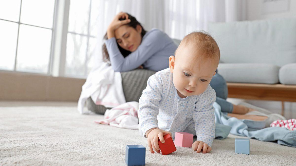 Кнопка SOS для молодых родителей: куда звонить, если у тебя появился ребёнок и тебе нужна помощь