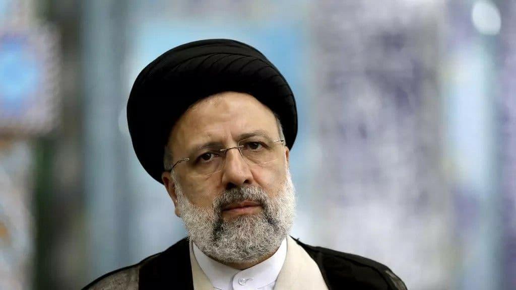 На президентских выборах в Иране победил консервативный судья Раиси