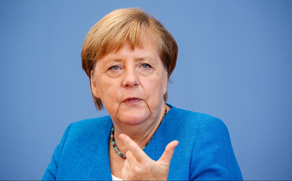 """Россия нарушает европейский послевоенный порядок: Меркель назвала военную агрессию """"поводом для стыда"""""""