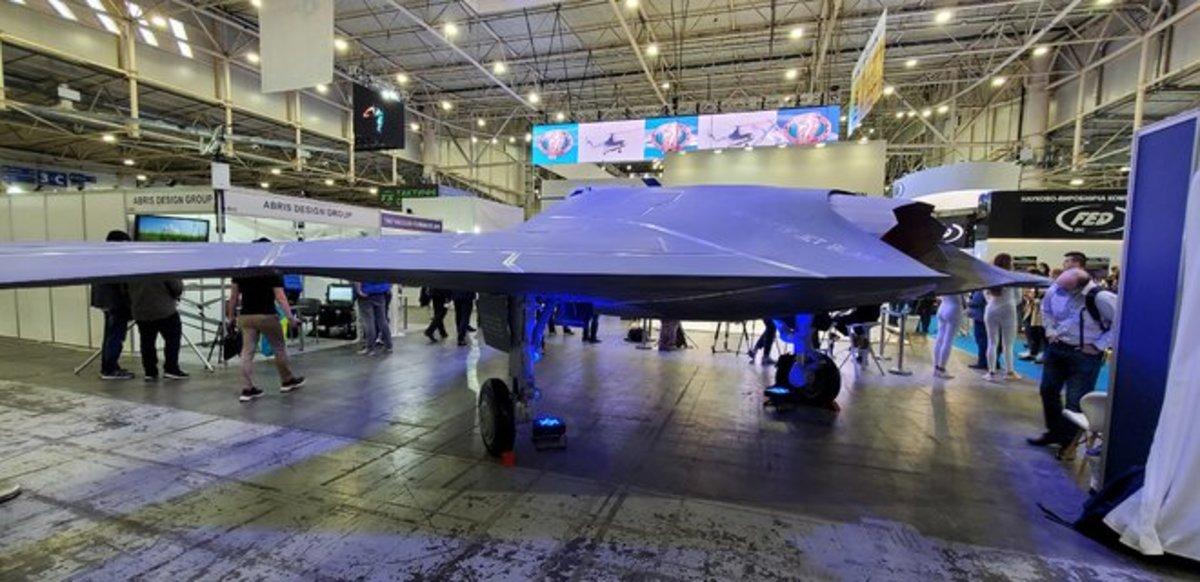 В течение трех лет в Украине запустят новый боевой дрон отечественного производства