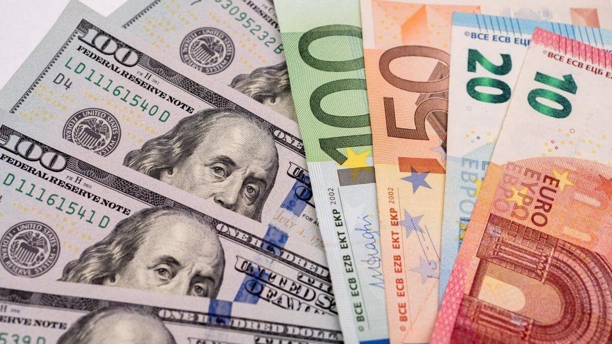 Курс валют на 22 июля: евро и доллар подорожали