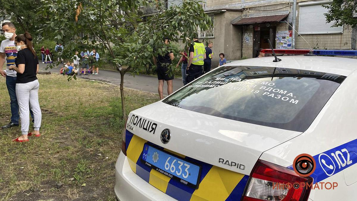 В Киеве мужчина с ножом напал на двух женщин в их же квартире. Ему грозит пожизненное