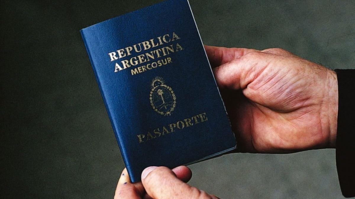 Аргентина разрешила не указывать пол в паспортах