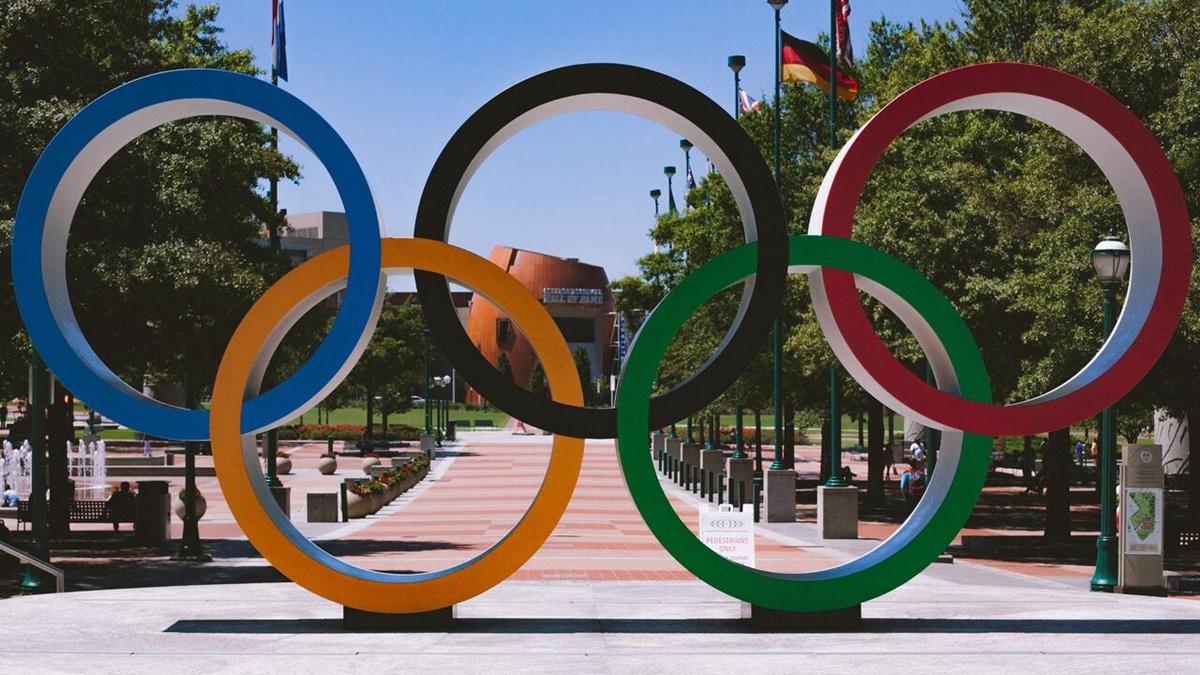 Директора церемонии открытия Олимпиады уволили из-за шутки о Холокосте