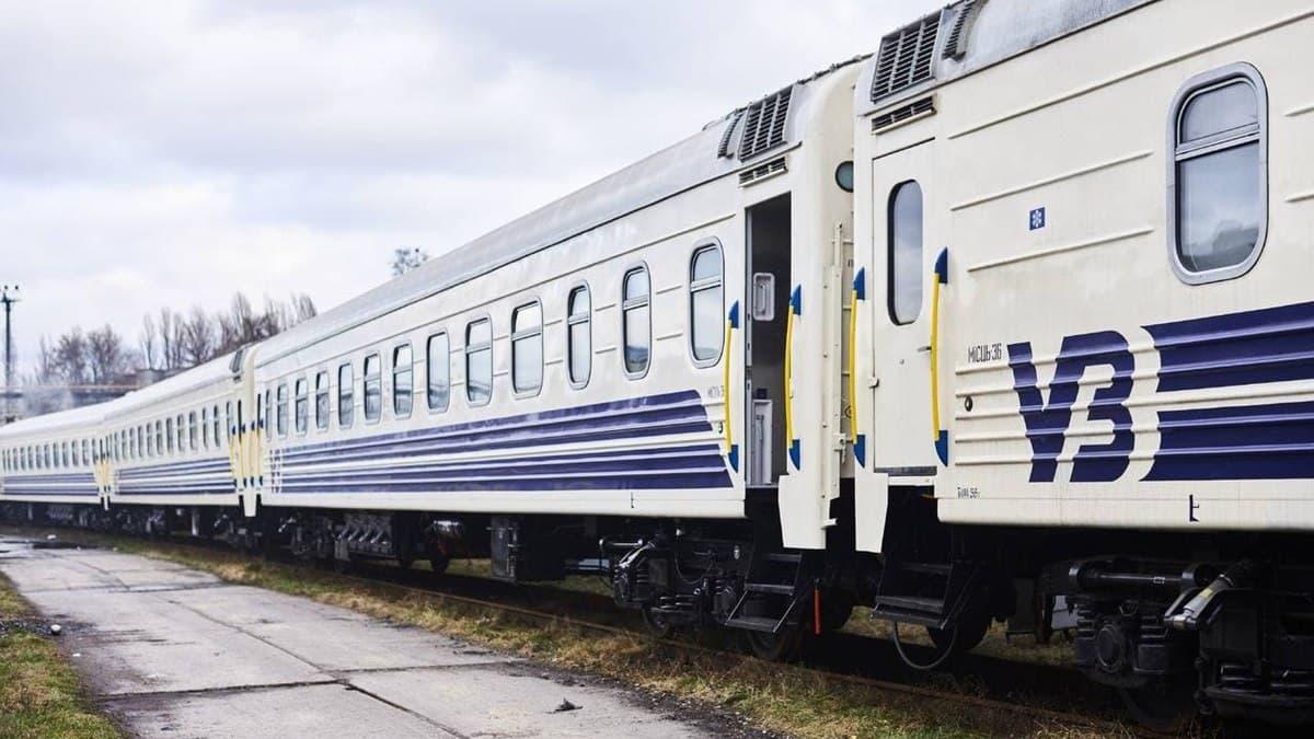 «Укрзалізниця» назначила ещё восемь дополнительных пригородных поездов