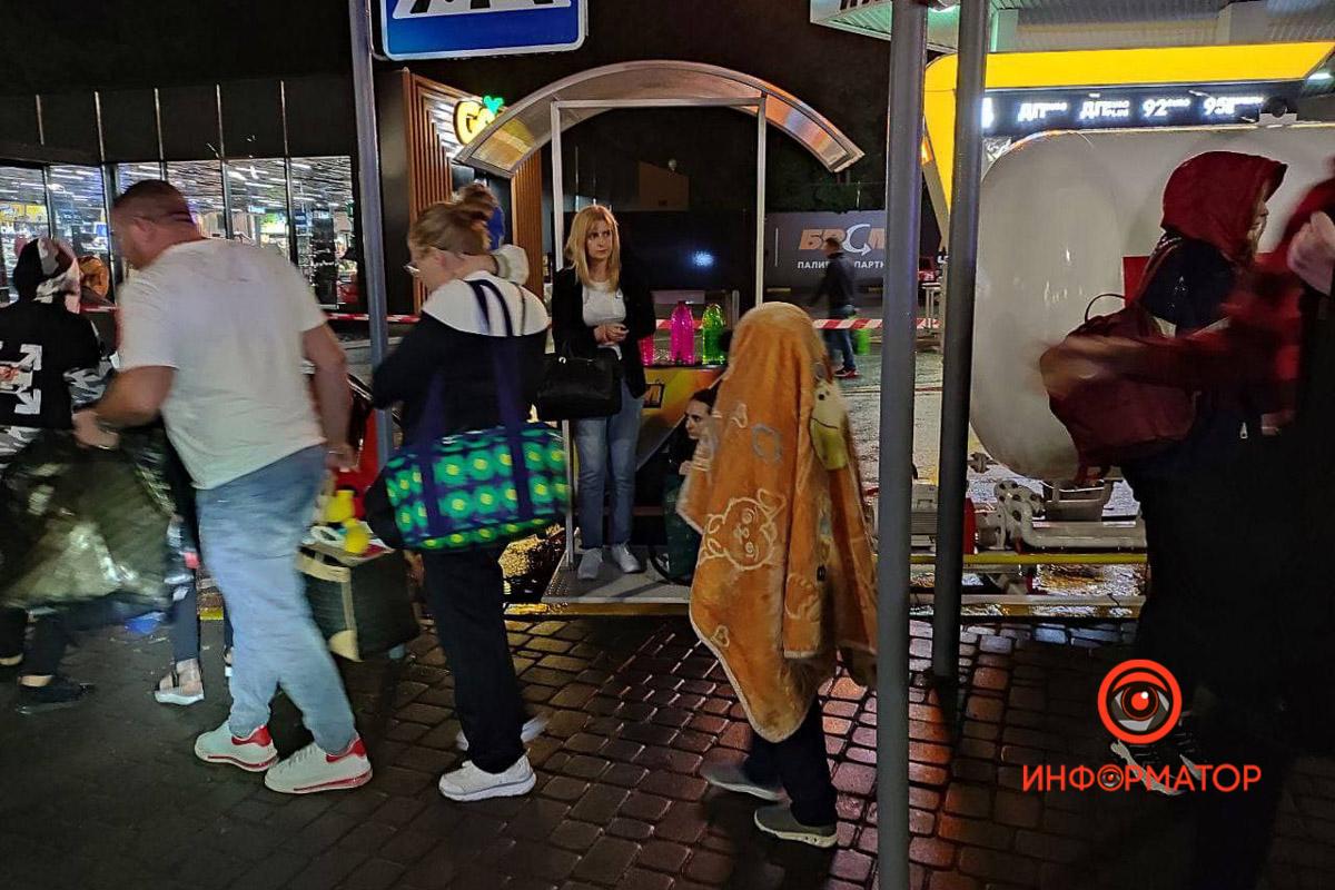 """В Киеве перевернулся рейсовый автобус """"Кишинёв-Москва"""": 8 пассажиров забрала скорая, из них трое - дети 6"""