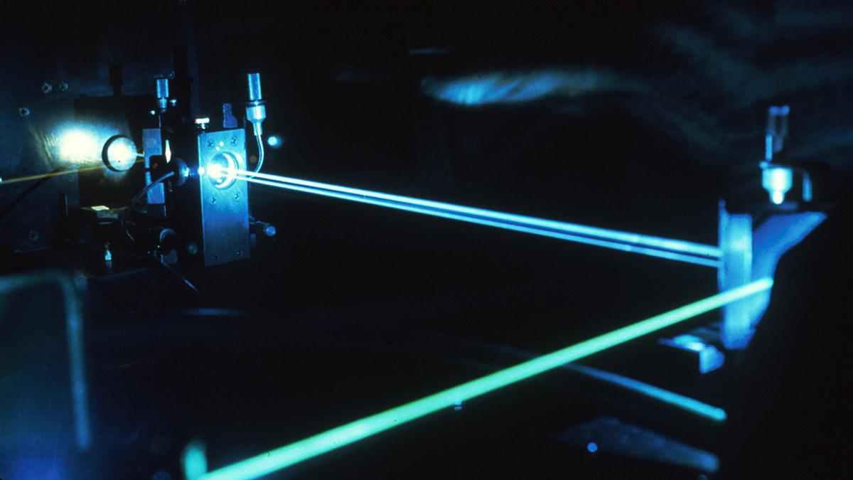 Учёные создали лазер, который через замочную скважину может узнать, что находится внутри закрытой комнаты