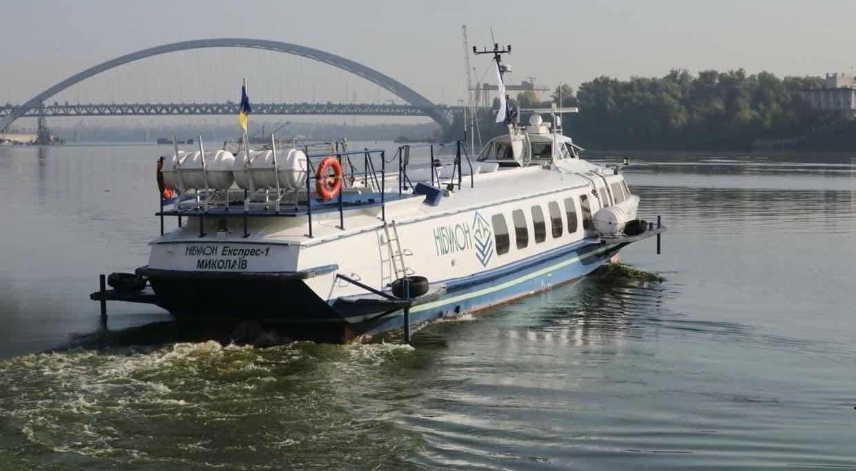 В Украине запустят экскурсионный катер по Днепру: из Киева в Канев и Чернобыль
