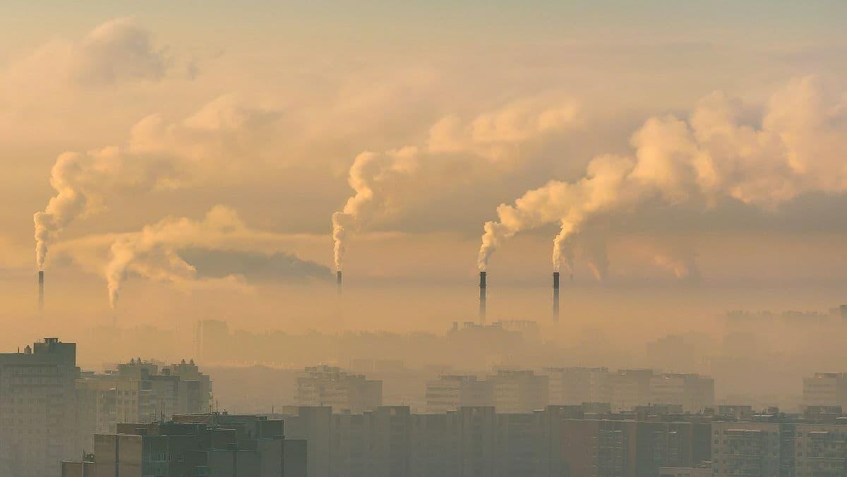 Київ — на 10 місці в списку міст із найбруднішим повітрям у світі