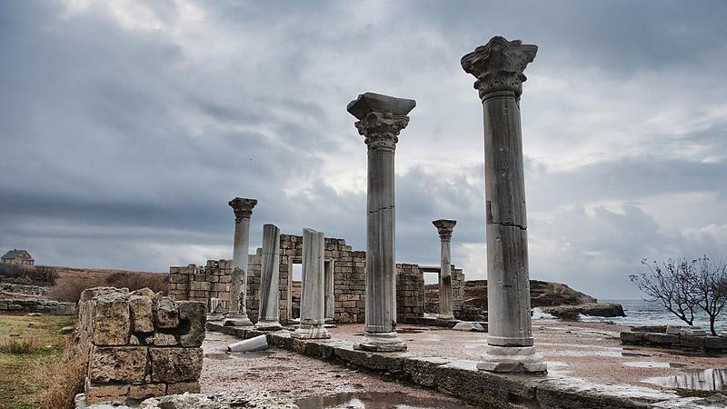 Россия незаконно присвоила более четырёх тысяч исторических памятников в Крыму