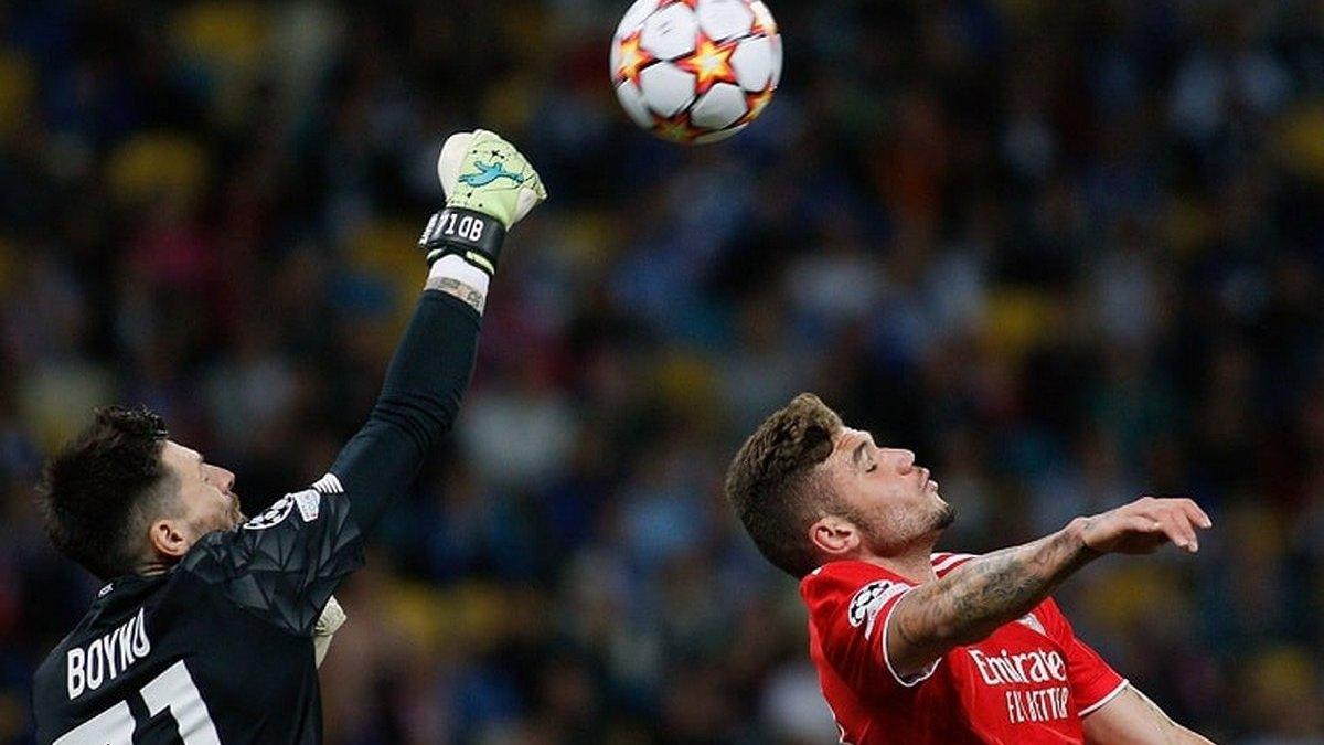 «Динамо» сыграло вничью с «Бенфикой», «Бавария» разгромила «Барселону»