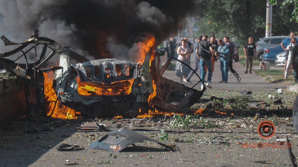 В Днепре взорвался автомобиль: погибли два человека