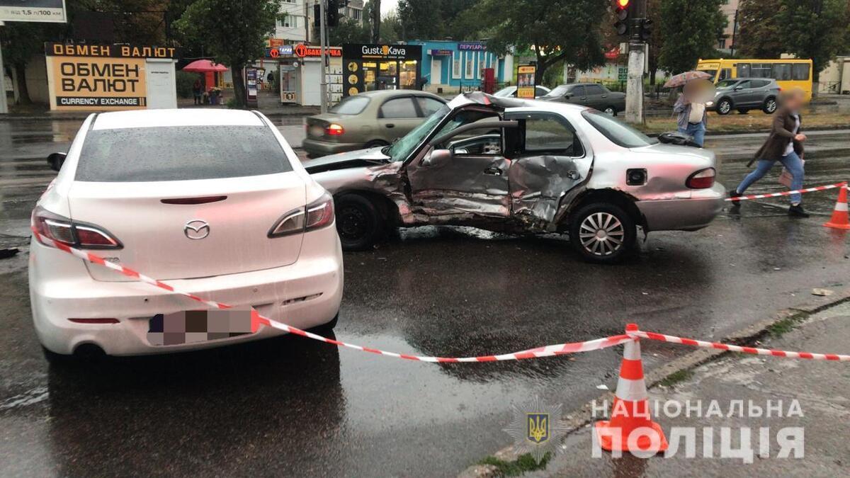 В Одессе полицейский проехал на красный свет и спровоцировал ДТП: погиб мужчина