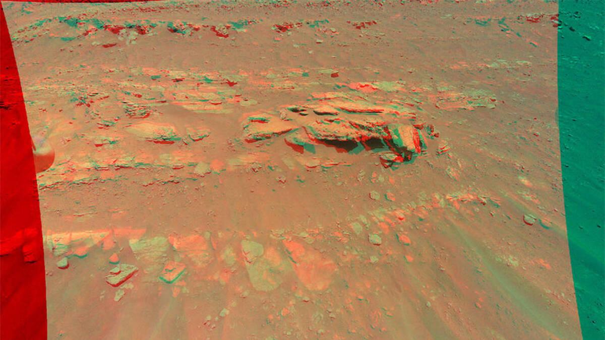 Вертолет NASA Ingenuity запечатлел скалистую поверхность Марса в 3D