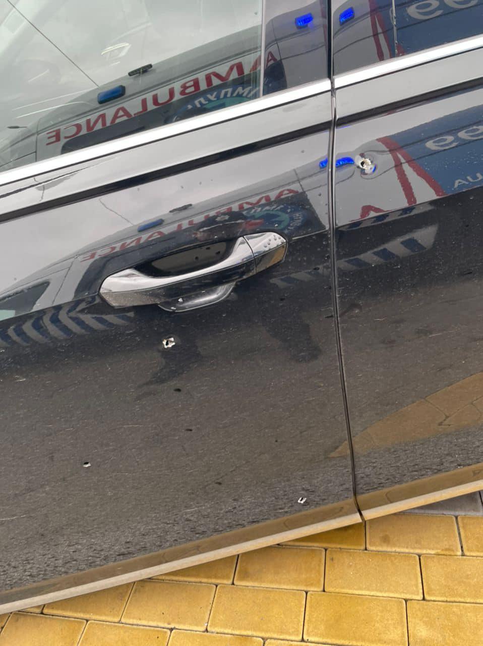 Выпустили 10 пуль, ранен водитель: подробности обстрела автомобиля Сергея Шефира 4