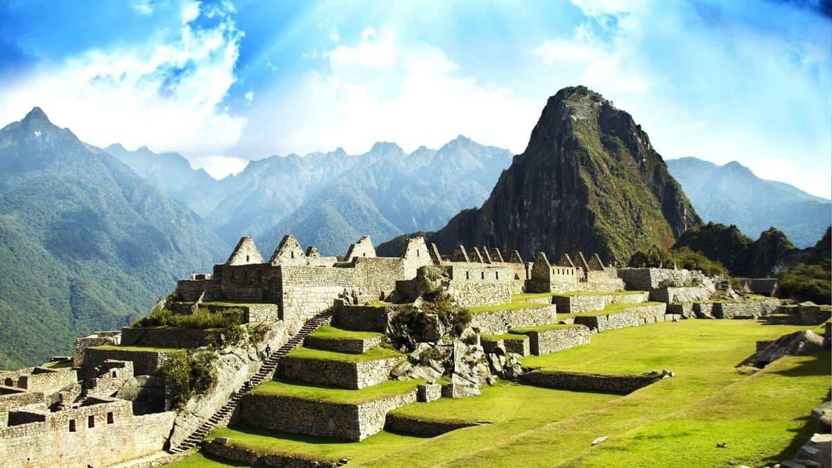Украина установила безвизовый режим с Перу