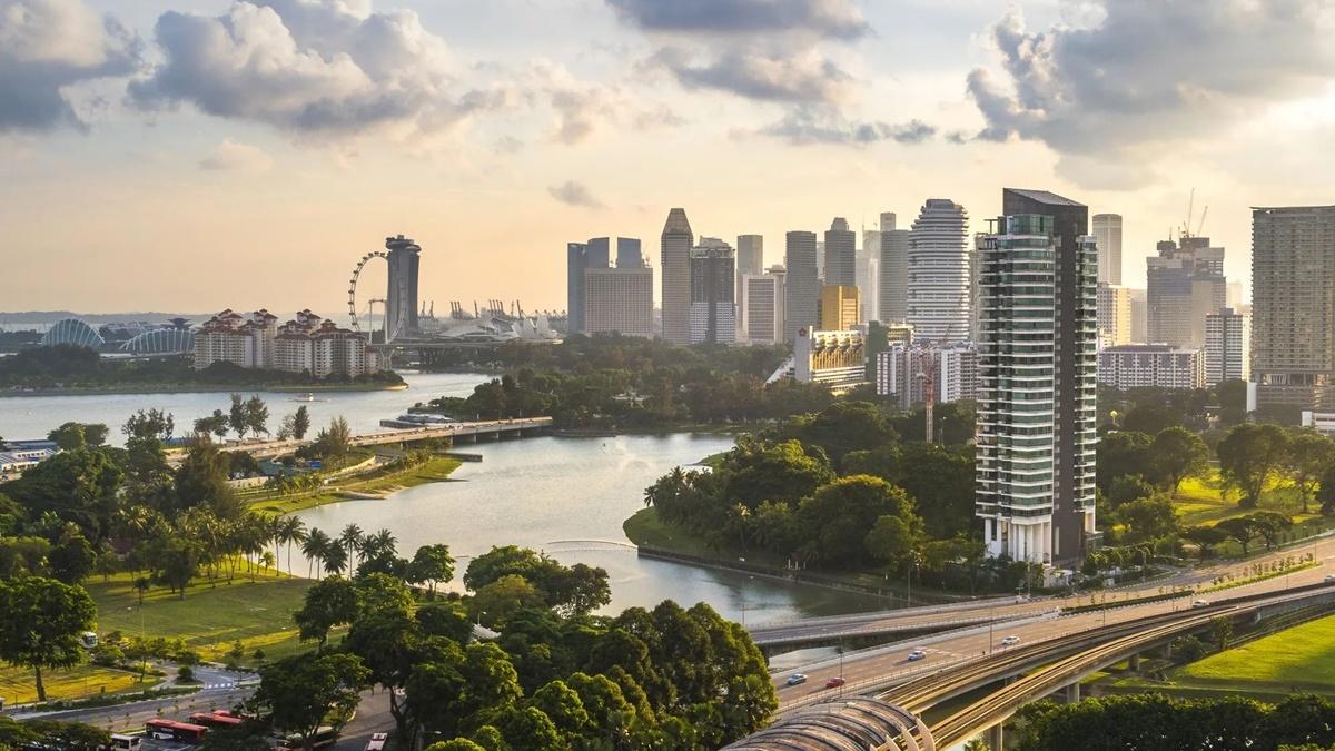 У Сінгапурі підсилюють карантин через збільшення кількості випадків COVID-19