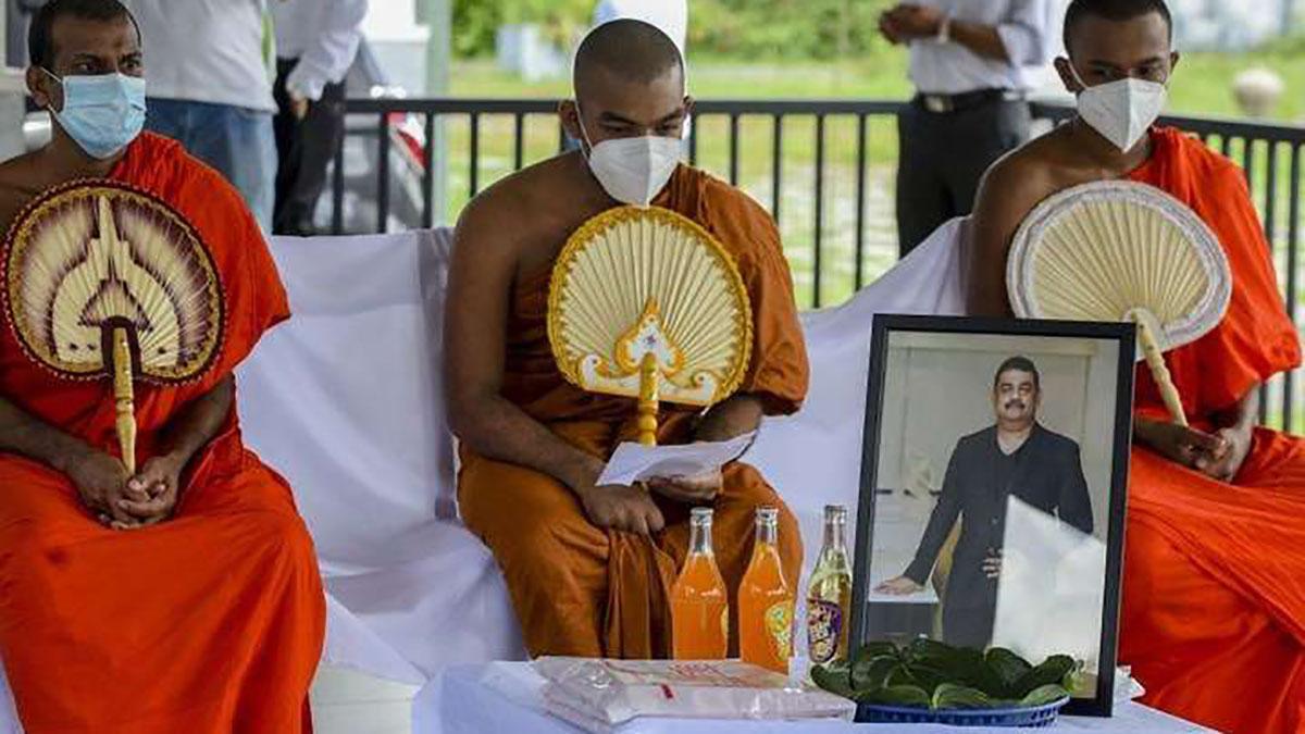 Шаман зі Шрі-Ланки, який лікував хворих на COVID-19 зіллям, помер від наслідків коронавірусу