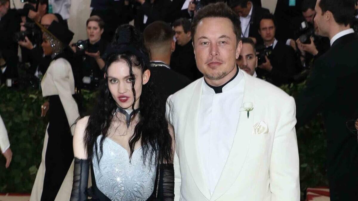 Илон Маск расстался с певицей Граймс после трёх лет отношений