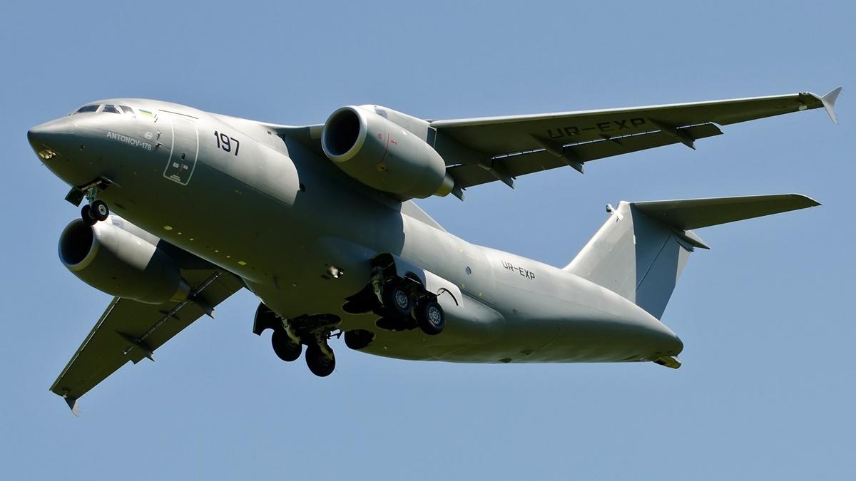 В Украине построят три самолёта Ан-178 без российских комплектующих