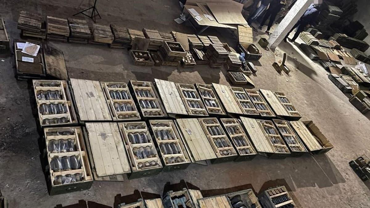 В Николаеве начальник военного склада продавал снаряды, мины и гранаты