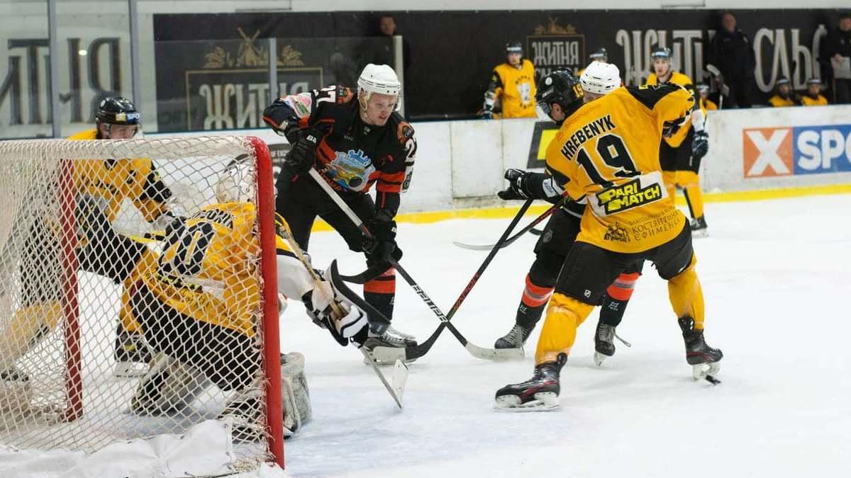«Сокол» и «Кременчук» разгромили аутсайдеров Украинской хоккейной лиги