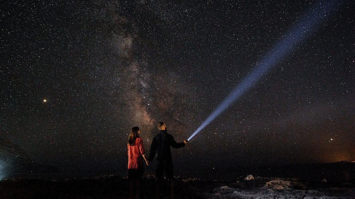 Астрономический октябрь: как увидеть звездопад Ориониды и когда отмечать День тёмной материи