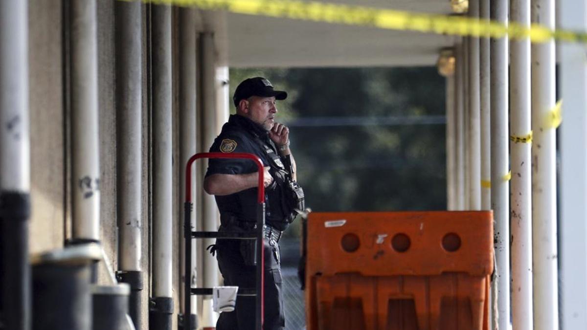 В американском штате Теннеси сотрудник почты застрелил своих коллег и покончил с собой
