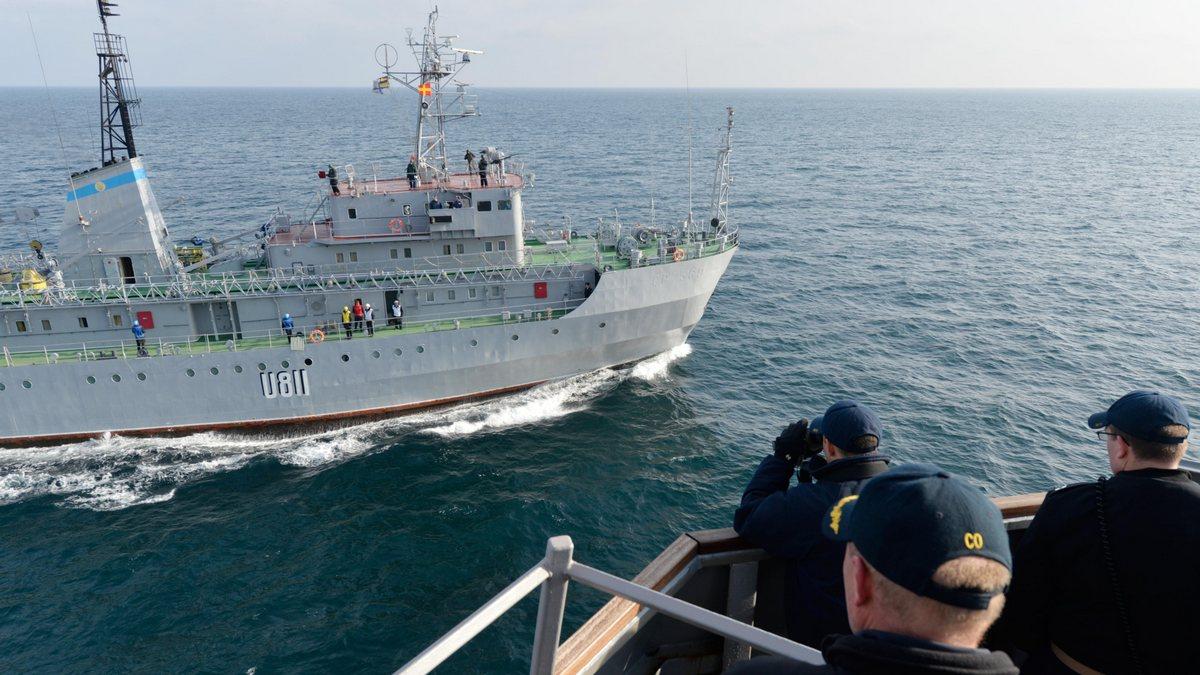 """На українському кораблі """"Балта"""" трапилася аварія: до нього направляються рятувальники"""