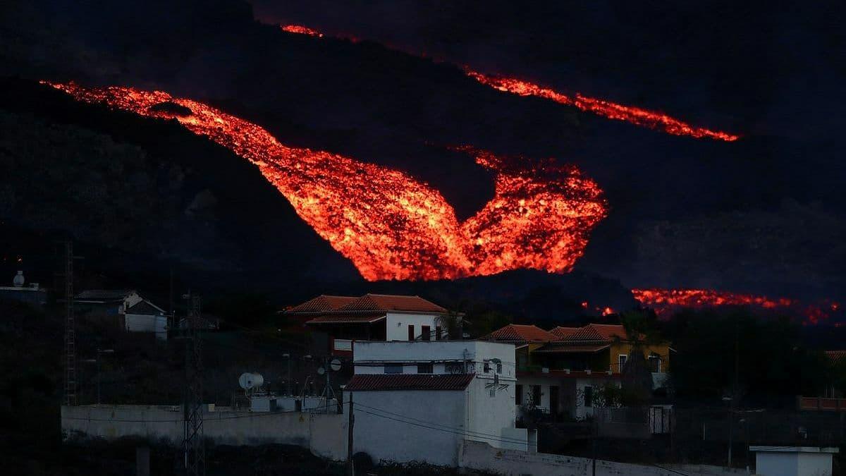Извержение вулкана на Канарах: на острове снова произошло землетрясение