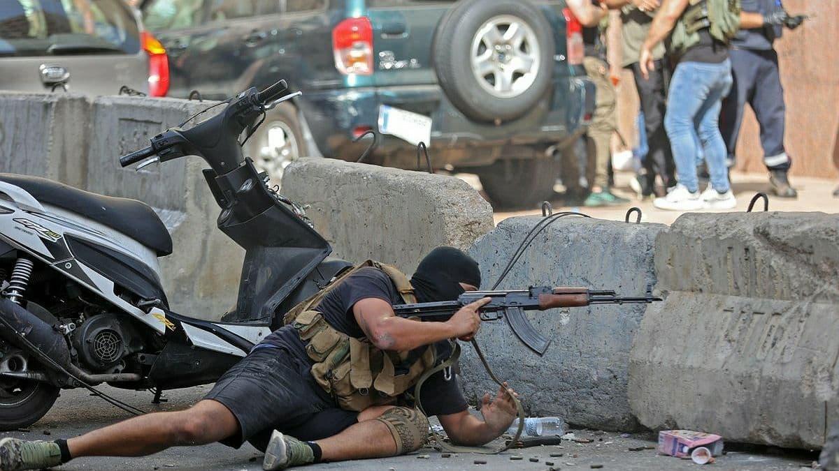 В Бейруте во время протестов произошла стрельба: армия Ливана стягивает бронетехнику, есть погибшие
