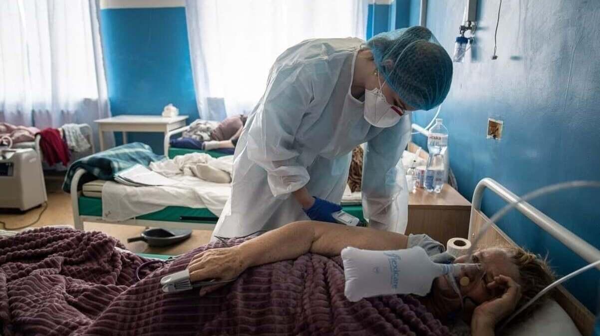 Украина входит в пик коронавируса: возможно до тысячи смертей в сутки — Данилов