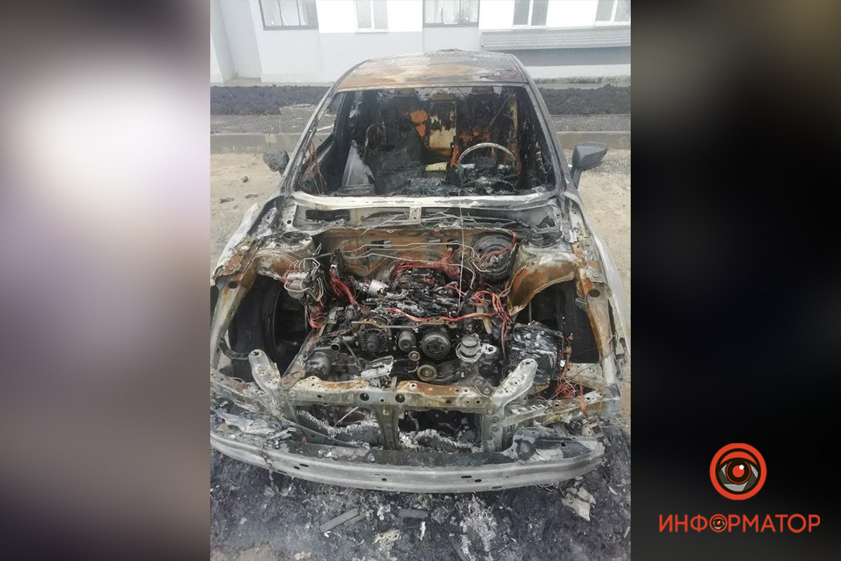 Предварительно, автомобили сожгли